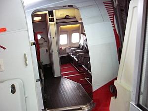 airasia_doorin.jpg