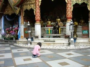 doi_pray2.jpg