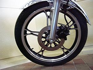 GN125_f_tire.jpg